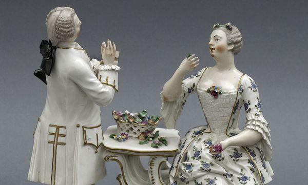 "Porzellangruppe ""Der Geruchssinn"", Manufaktur Frankenthal, 18. Jahrhundert, Barockschloss Mannheim"