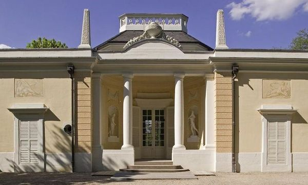Badhaus im Schlossgarten von Schloss Schwetzingen; Foto: Staatliche Schlösser und Gärten Baden-Württemberg, Arnim Weischer